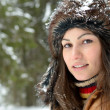 Young woman outdoor in winter — Stock fotografie #10728132
