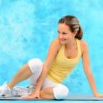 mladá žena, cvičení — Stock fotografie