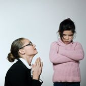Raising Brat woman begging for his child attitude sullen — Foto Stock