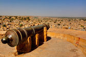 Cannon protecting jaisalmer — Stock Photo