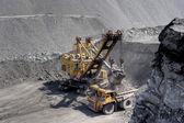 Carregamento de carvão. — Fotografia Stock