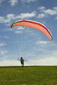 Yamaç paraşütü dağ — Stok fotoğraf