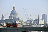 St Paul's Cathedral across the Thames — Stock Photo