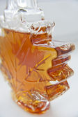 Delicious maple syrup made in vermont . canada — Stock Photo