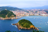 "The ""Concha"" gulf in the city of San Sebastian, Spain — Stock Photo"