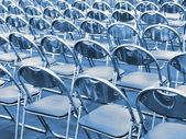Metall stuhlreihen — Stockfoto