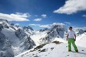Belas e altas montanhas do cáucaso — Foto Stock