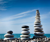 Three pyramids of stones for meditation — Stock Photo