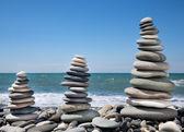 Three pyramids of stones for meditation — Stock Photo