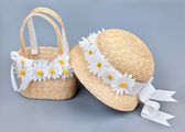 Straw beach hat and bag — Stock Photo