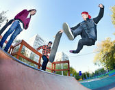 Skateboarder in the skatepark — Stock Photo