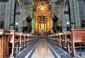 Navata Chiesa illuminata — Foto Stock