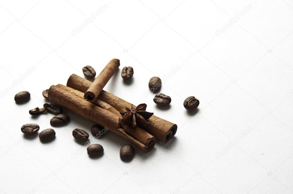 Always explode the passion between grains of coffee and some particular flavours — Стоковая фотография #9137864