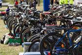 велосипеды на стоянке — Стоковое фото