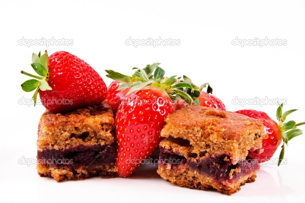 Strawberries cake — Stock Photo #10565372