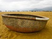 Vietnamese boat on the beach — Stock Photo