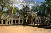 Main entrance of the temple Ta Phrom — Stock Photo