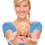 vrouw met spaarpot — Stockfoto #9219784