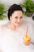 Mujer con copa — Foto de Stock