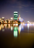 Expensive aparments and offices on the river in Frankfurt at night — Stock Photo
