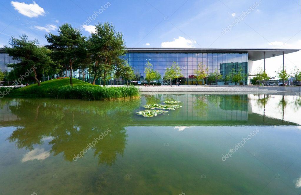 architecture cologique moderne dans le parc