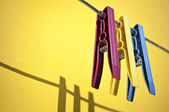 Colored clothespins — Stockfoto