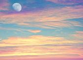 Avondrood met maan — Stockfoto