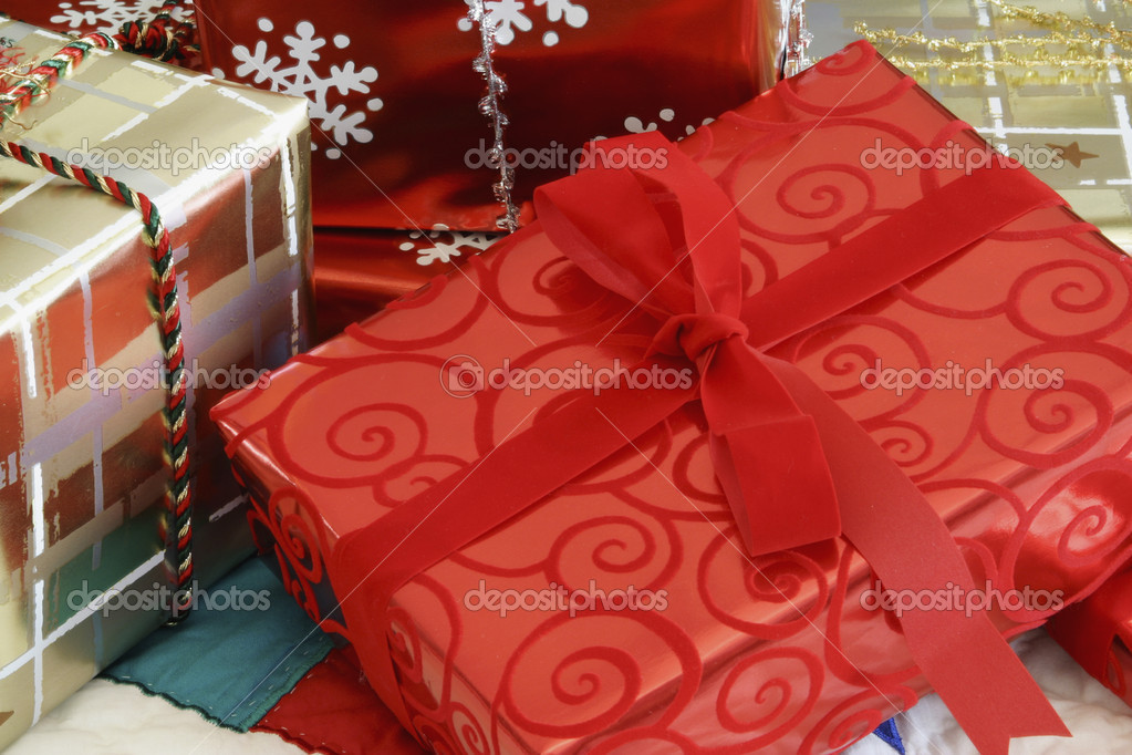 Christmas gifts under the Christmas tree — Stock Photo #9186050