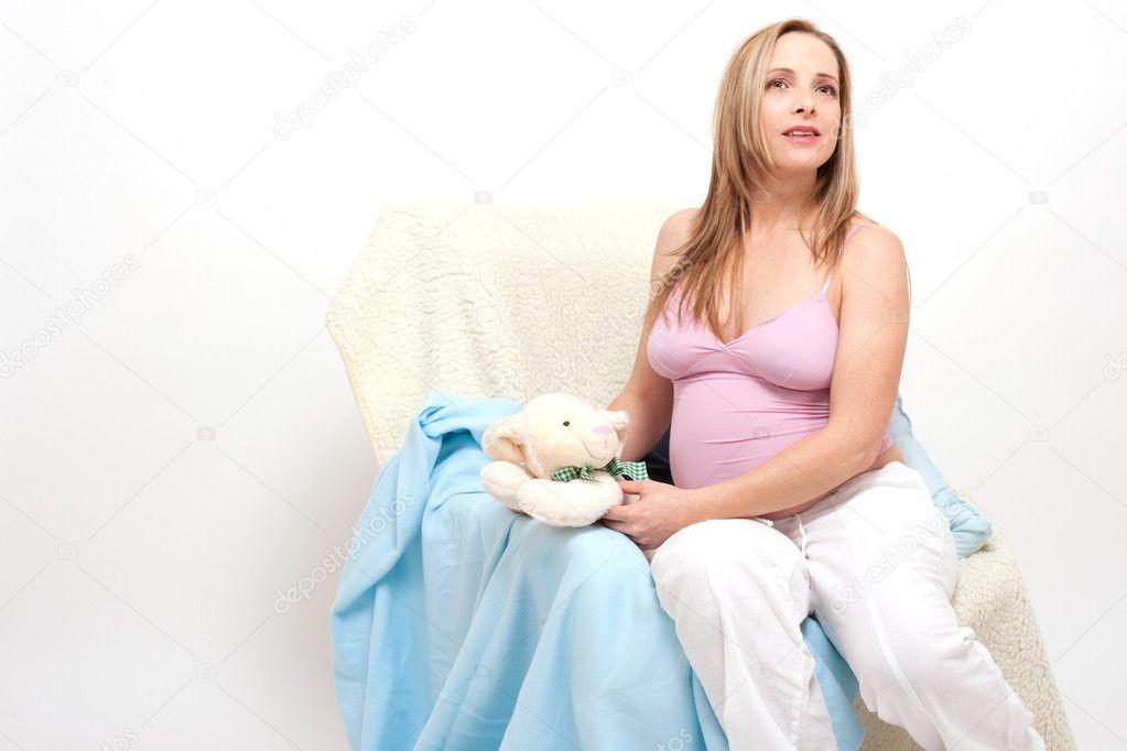 Пожилая беременная женщина фото