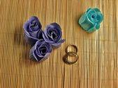 Barevné papírové mýdlo růže — Stock fotografie