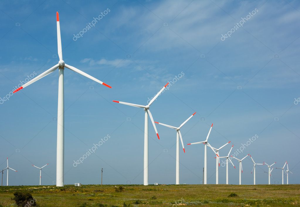 Wind power generation with many large turbines, technology preserving the environment — Stock Photo #9147890