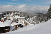 Sunny day in Pamporovo ski resort — Stock Photo