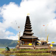 Pura Ulun Danu temple on lake — Stock Photo