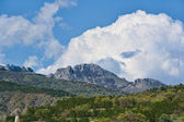 Mountain under the clouds — Stock Photo