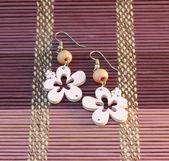 Wooden pink earrings — Stock Photo