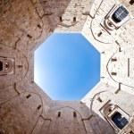 Castel Del Monte — Stock Photo #9114066