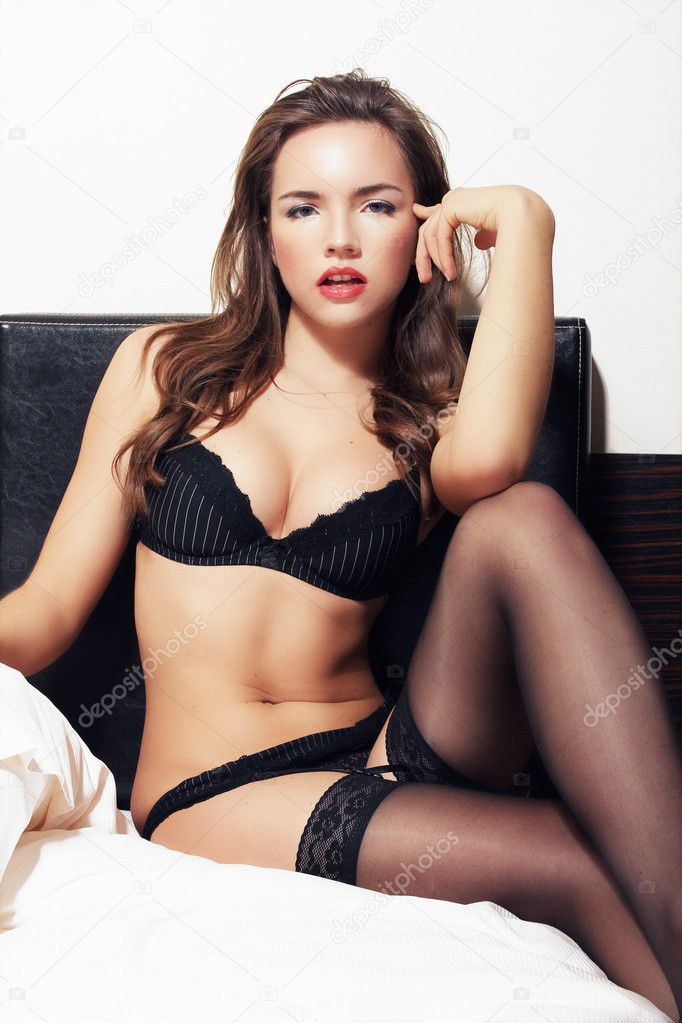 Brunette woman    Foto Stock #9130739