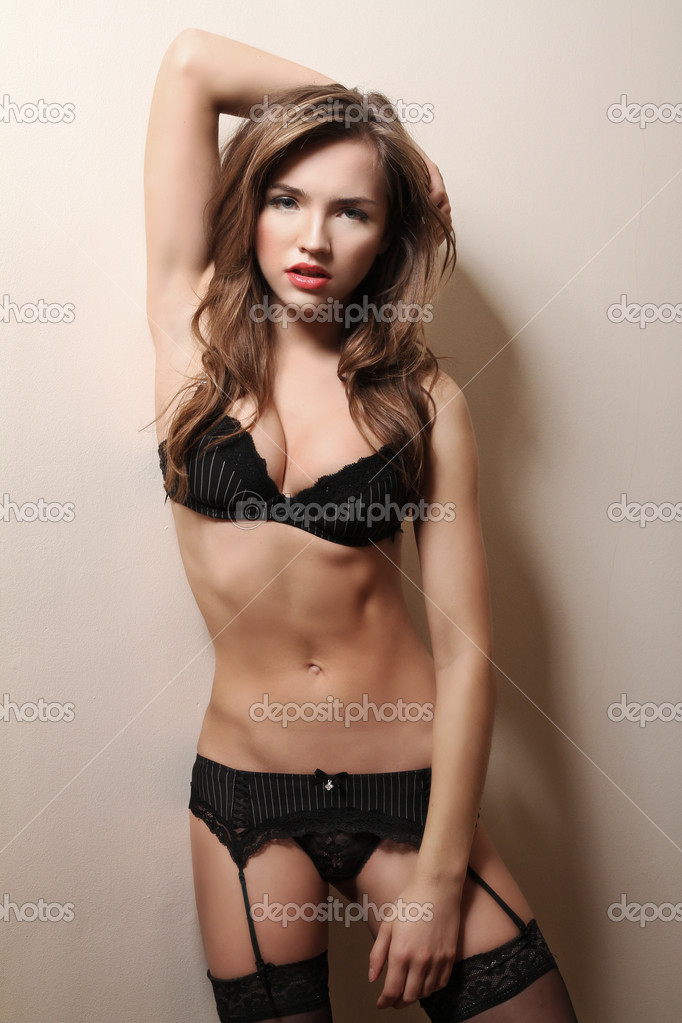 Brunette woman   — Stock Photo #9130825