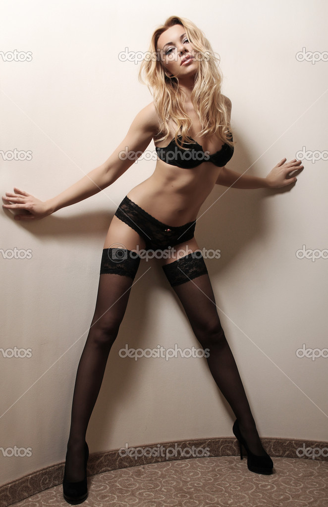 Blonde woman   — Stock Photo #9130885