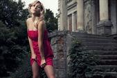 Ritratto di stile di voga di bella donna bionda — Foto Stock