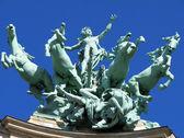 Equestrian Statue in Paris, France — Stock Photo