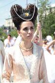 新娘的繁荣。一个女人在中世纪的新娘礼服. — 图库照片