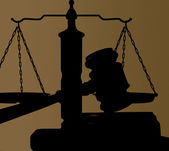 Gavel and justice scales — Stock Photo