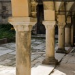 Architectural pattern of ancient columns — Stock Photo