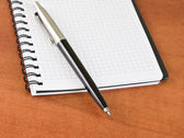 Pluma en notebook — Foto de Stock