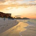 Golden sunrise over the beach — Stock Photo