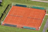 теннисный корт, видно из воздуха — Стоковое фото