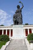 Bavaria Statue vor der Ruhmeshalle in München, Bayern — Stock Photo