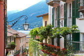 Residential house at lake Como in Northern Italy — Stock Photo