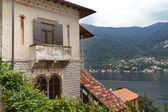 старая вилла, с видом на озеро комо, италия — Стоковое фото